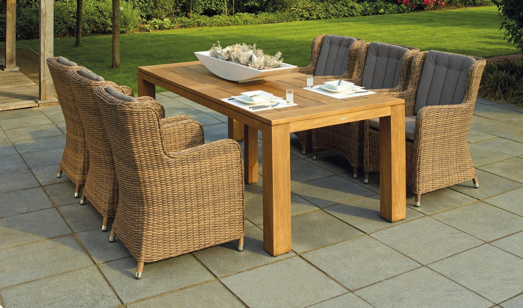 How To Keep Your Patio Furniture From Corroding In The Sea Air